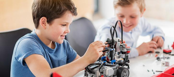 STEM / Robotics (Kinder - 2nd Grade)