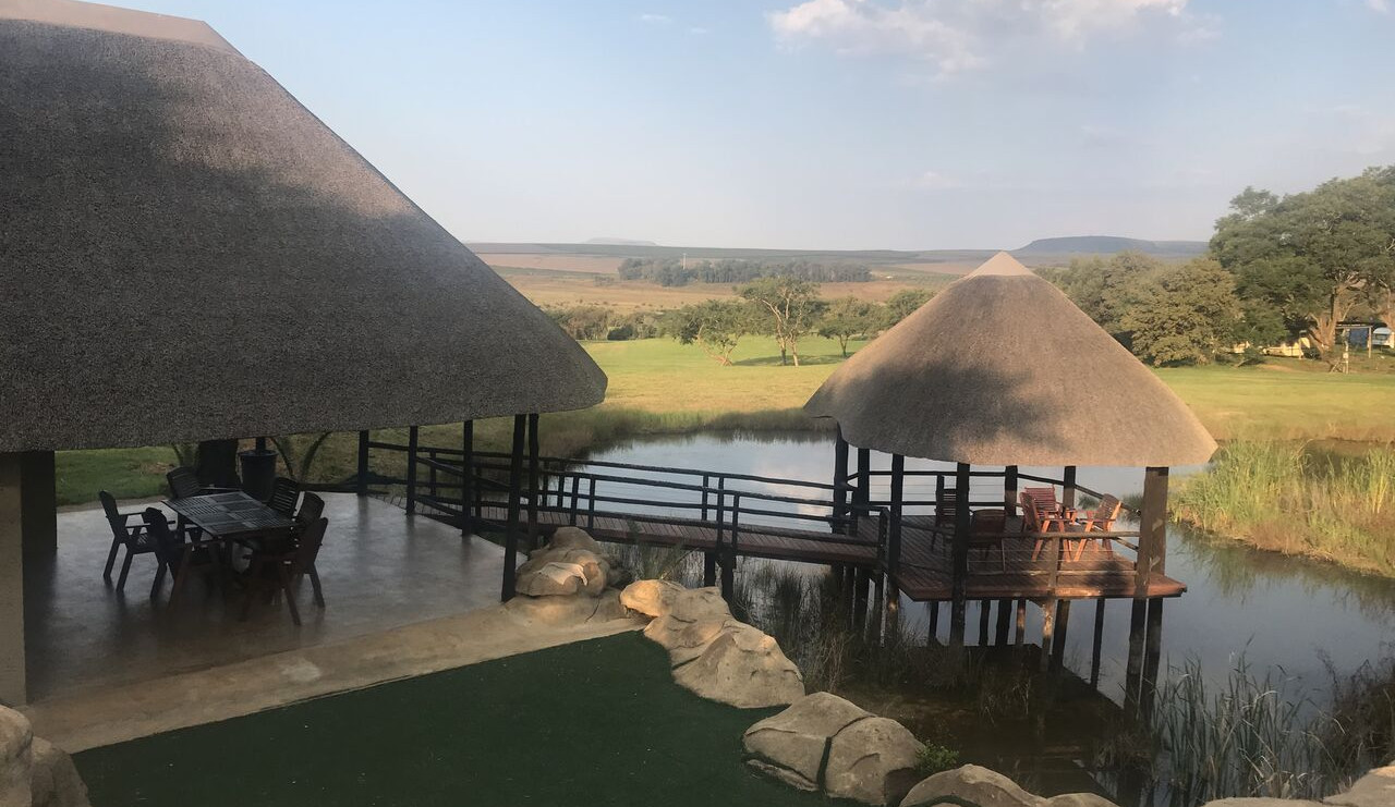 Emgedeni Cave and putting green