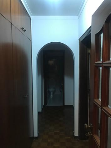 Antes do corredor principal de acesso aos quartos