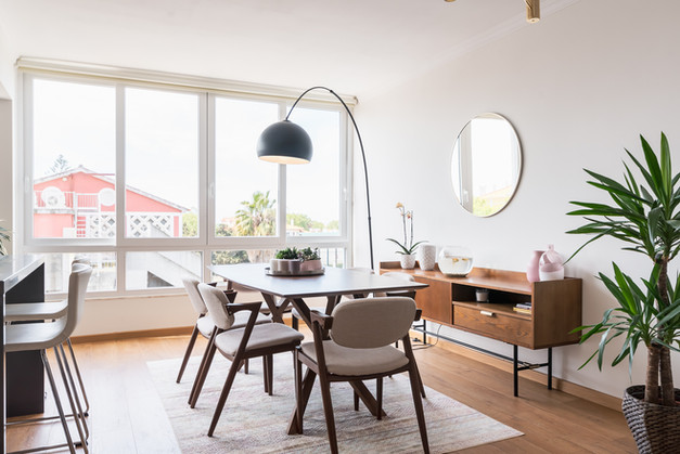 sala de jantar e janelas