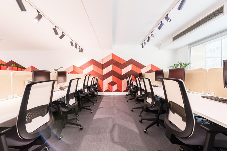 paineis acústicos decorativos em escritório open space