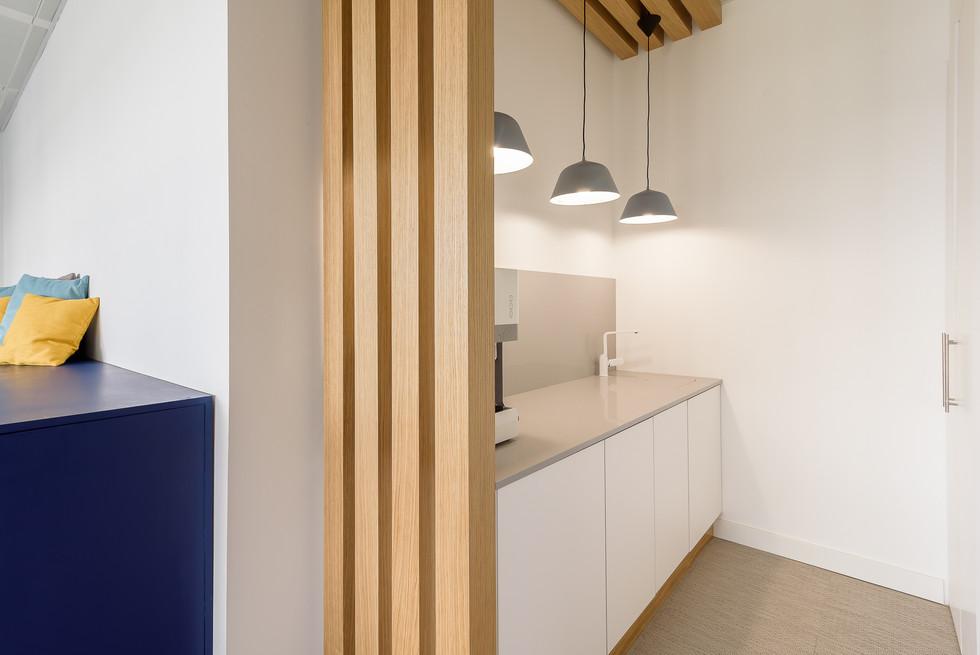 Decoração de escritórios - espaço de lounge e copa