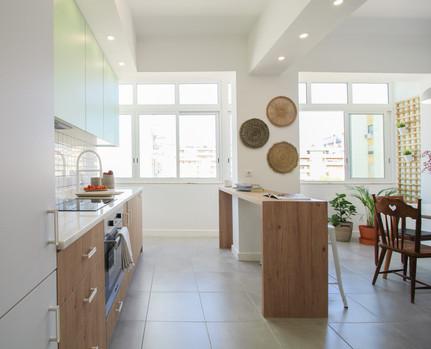 Reabilitação e transformação de sala e cozinha em open space