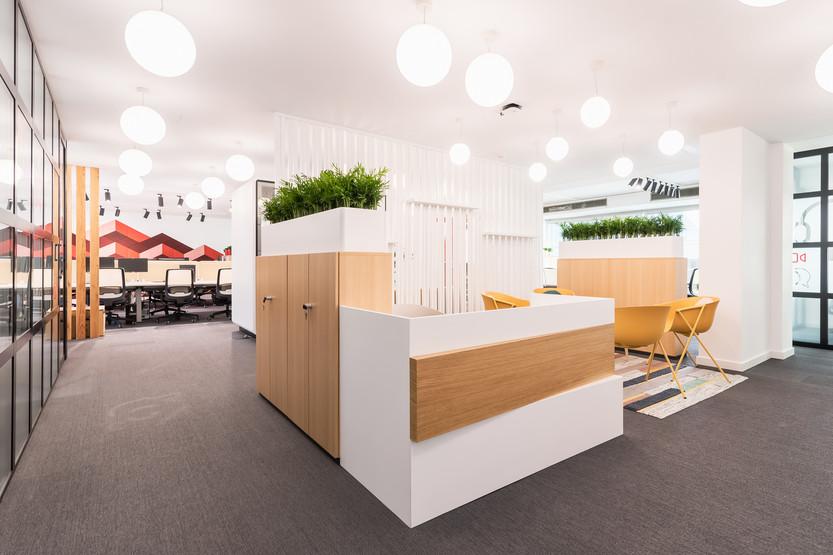 design de escritórios e espaços de trabalho em open space