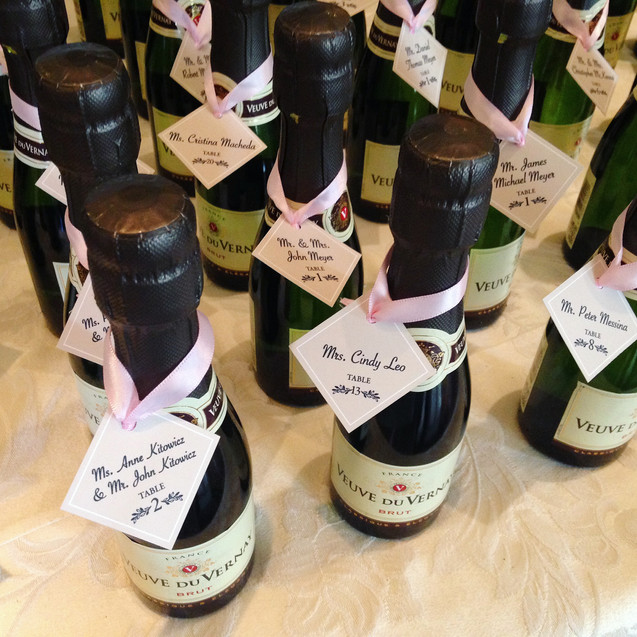 seating card wine bottle tags