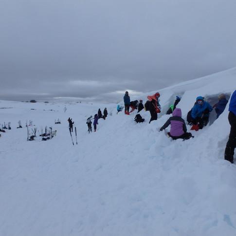 Snøhulegraving