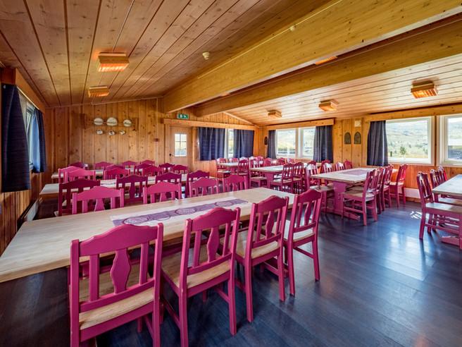 Spisesal med plass til opptil 80.