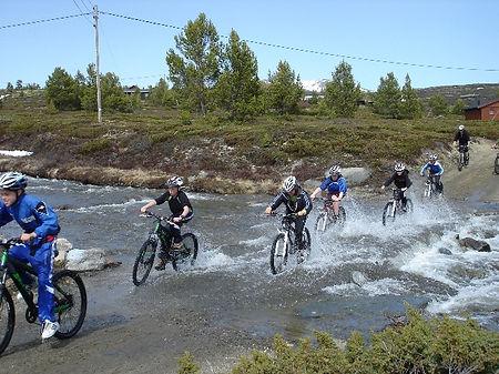 Terrengsykling sommer, høst, vinter, påske eller vår på Rondeheim - den Norske Fjellskolen på Høvringen ved foten av Rondane Nasjonalpark