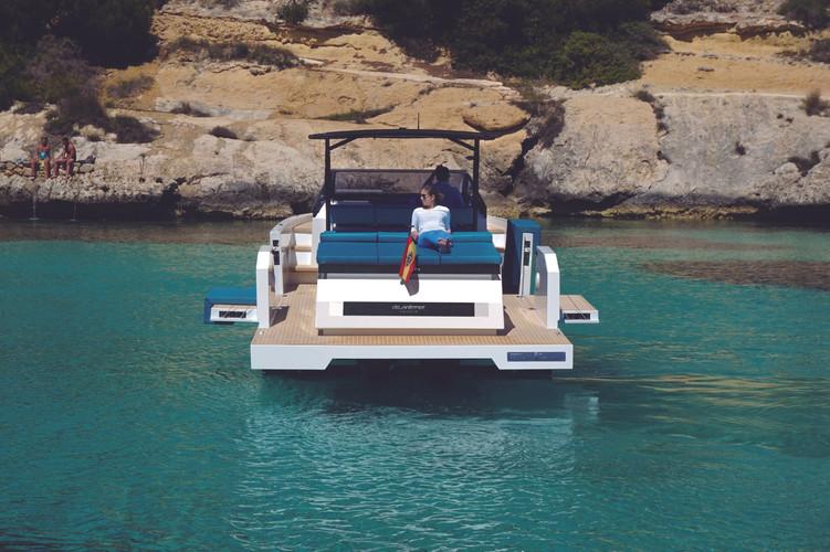 De Antonio Yachts_D34 Cruiser_04.jpg