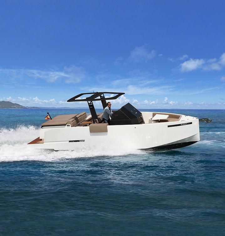 De Antonio Yachts_D28_LR.08.jpg