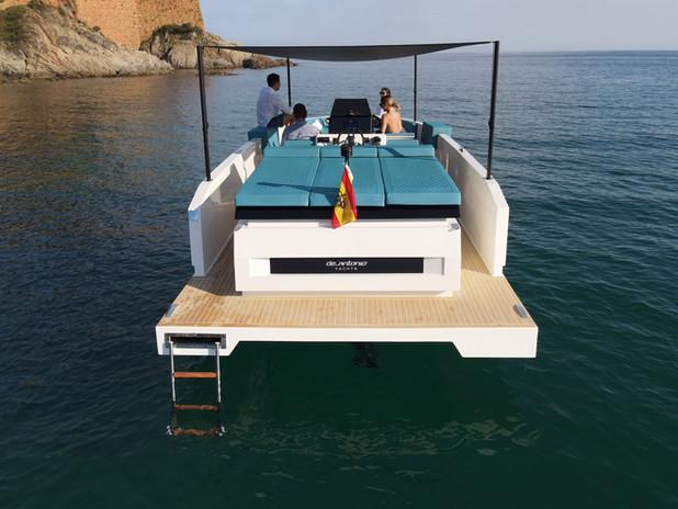 De Antonio Yachts_D28 Deck_09.jpg