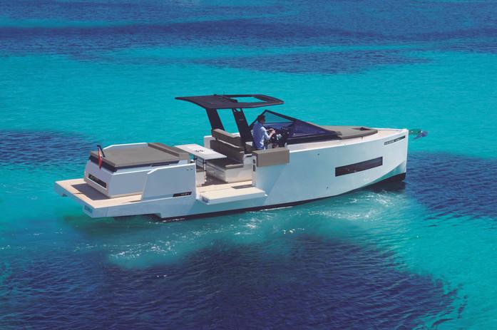 De Antonio Yachts_D34 Cruiser_08.jpg