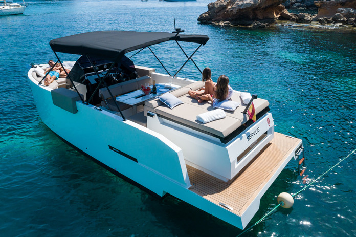 De Antonio Yachts_D28 Open_Bimini_07.jpg