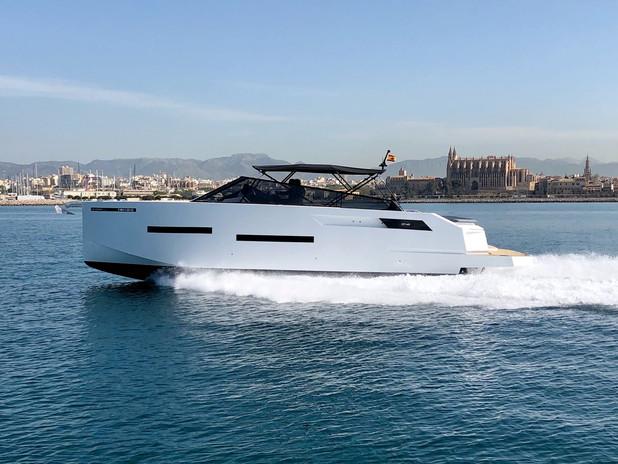 De Antonio Yachts_D46 Open_01.jpg