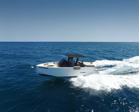 De Antonio Yachts_D28 Open_08.JPG