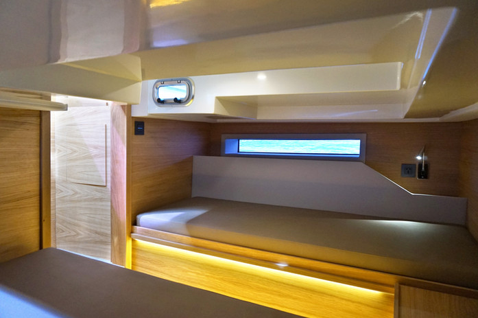De Antonio Yachts_D34 Cruiser_17.jpg