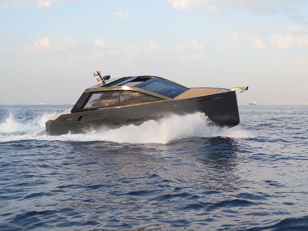 De Antonio Yachts_D46 Cruiser_04.JPG