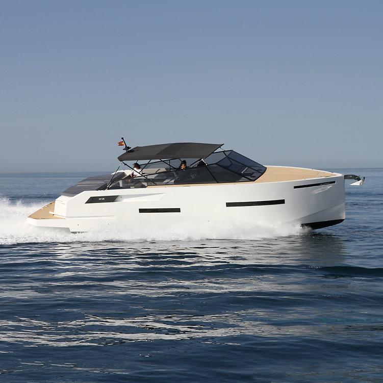 De Antonio Yachts_D46 Open_02_.jpg