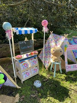 Sweet-themed-dog-birthday-party-donut-ca