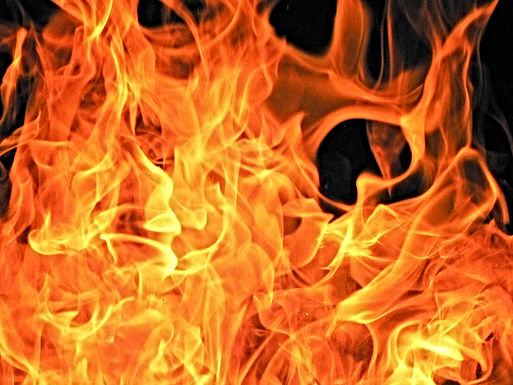 Vandalen steken akker in brand in Tongeren