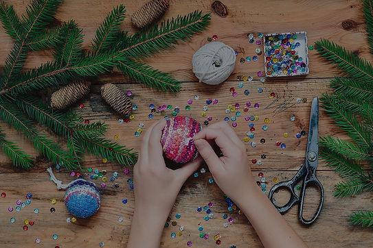 girl-making-christmas-decoration-by-pinn