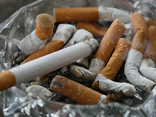 Heavy smokers 89% more likely to die with coronavirus, study suggests