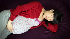 Women advised to sleep on side to help prevent stillbirth