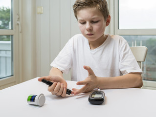 Diabetes: Children 'not getting recommended checks'diab
