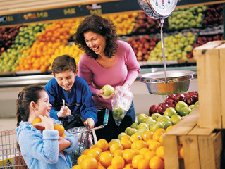 Families 'can't afford to follow healthy diet guidance'