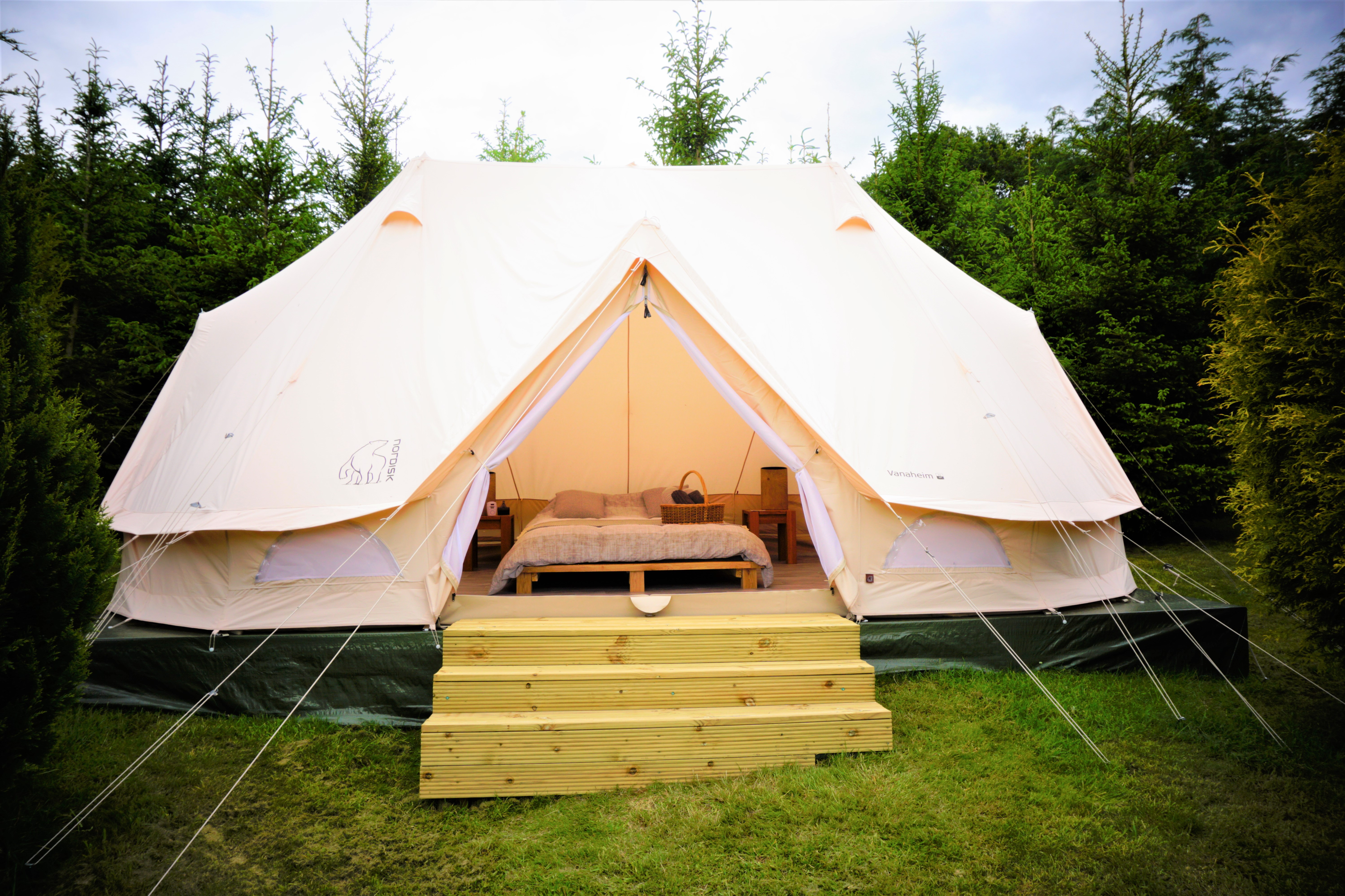 Weekend Glamping and BBQ for 4 : £130pp