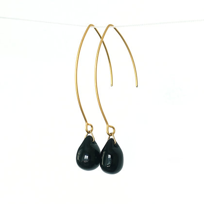 Teardrop wire earring in Opaque Black