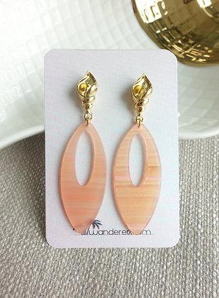 Summery Earrings in Seashell