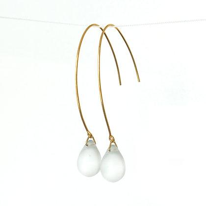 Teardrop wire earrings in Frosted White