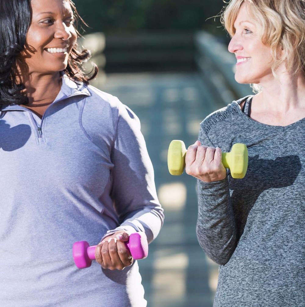 women with weights.jpg 2015-4-8-20:7:15 2015-4-8-20:16:15