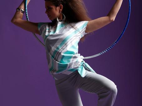 Fitness hulavanne tutorial- Siis miksei tää pyörikään itsestään mun lanteilla?!?