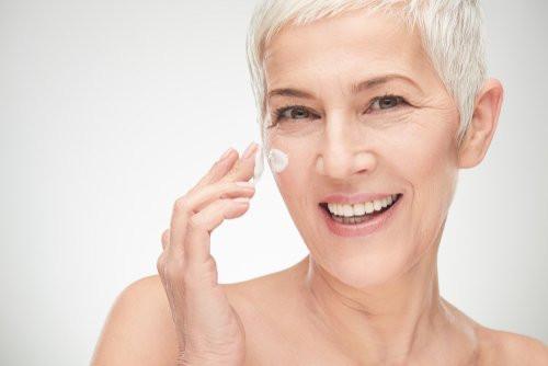 assunto nao falta sobre cuidados com a pele madura menopausa tratamentos da pele madura menopausa