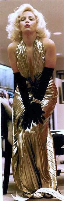 Diana_Dawn-Marilyn-Monroes_Gown_(1).jpg