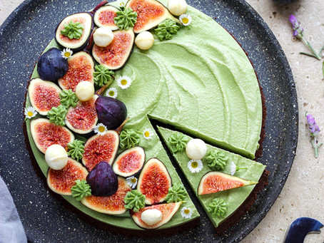 Raw matcha & chocolate cheesecake