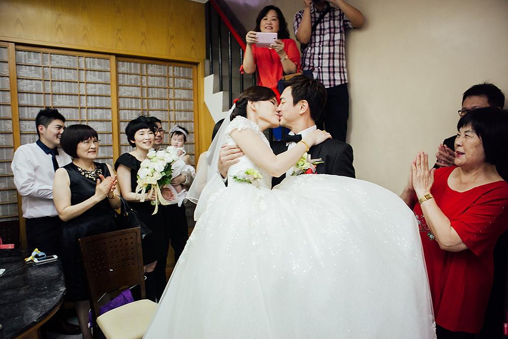 高雄婚攝 台南婚攝 屏東婚攝 婚攝MIRO 高雄攝影師 南部攝影師 台北婚攝 戶外婚禮 海外婚禮  樂式婚禮 高雄婚攝推薦  高雄婚禮紀錄 有溫度的婚攝 香蕉碼頭 非常婚禮 wedding day 高雄婚禮紀錄 高雄飯店