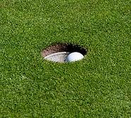 Åskov Golfklub - Golfbold i hul
