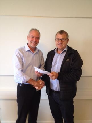 Bevilling fra Medarbejderfonden for VKR Gruppen til Åskov Golfklub