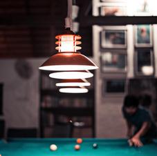 Billiardtisch im Keller