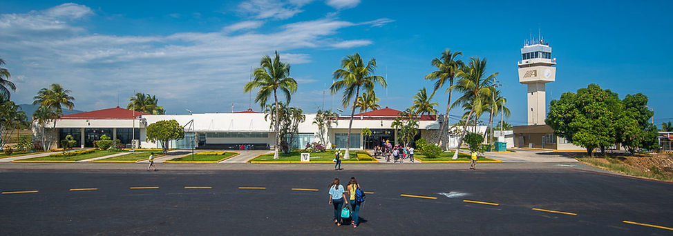 View of the tarmac of the Puerto Escondido Airport.