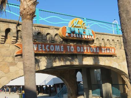 Playa y automovilismo: un paseo por Daytona Beach