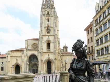 La ruta de las esculturas de Oviedo
