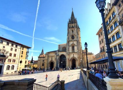 Diez experiencias que no te puedes perder en Oviedo, la capital del Principado (y del Reino en tiemp