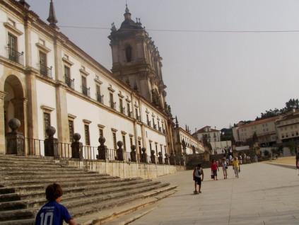 Alcobaça: donde D. Pedro y Dña. Inés descansan esperando volver a encontrarse algún día