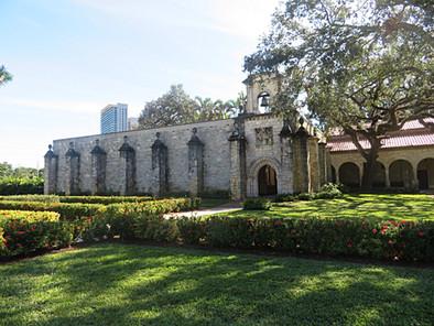 ¿Qué hace un monasterio español del s. XII en North Miami?