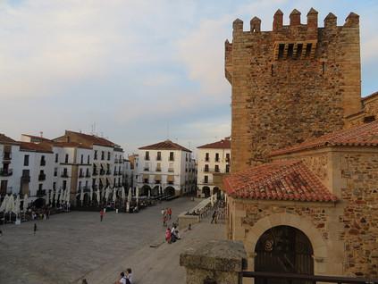 La ruta de las Torres de Cáceres o Cómo Isabel la Católica castigó la traición de los nobles de la c