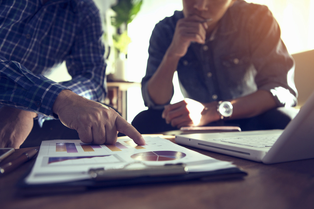 Was der Berater wirklich bringt. Das Bild zeigt den Beratungsprozess in einem Unternehmen.